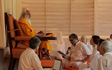 http://www.sadhanakendra.org/_images/satsang8.jpg
